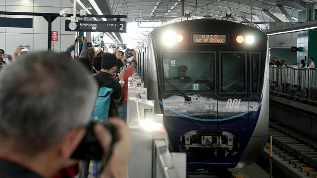 Kabar Terbaru MRT Jakarta: Raup Laba Rp 60 M hingga Mau IPO di 2022 (287850)