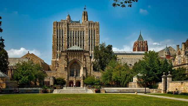 Ilustrasi Yale University