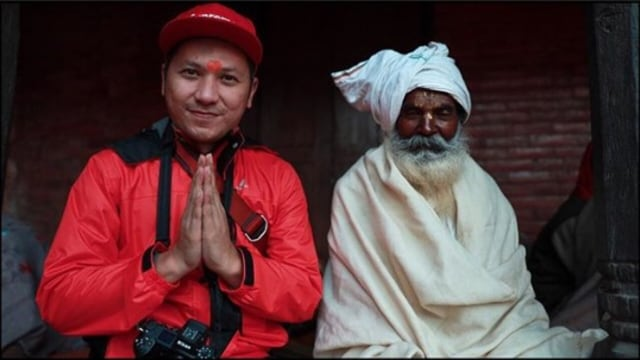 7 Momen Gading Marten Liburan ke Nepal dengan Para Artis (77974)