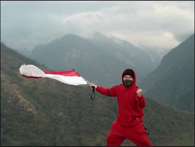 7 Momen Gading Marten Liburan ke Nepal dengan Para Artis (77975)
