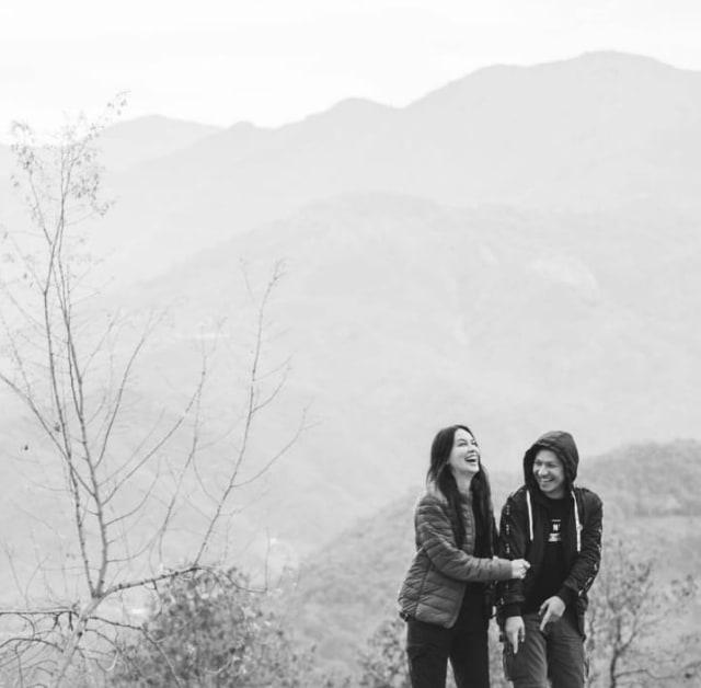 7 Momen Gading Marten Liburan ke Nepal dengan Para Artis (77976)