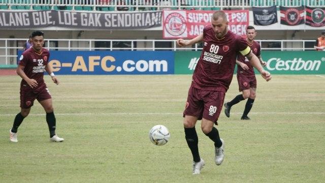 Laga PSM Makassar vs Lao Toyota, Piala AFC 2019, Stadion Pakansari, Bogor, Wiljan Pluim