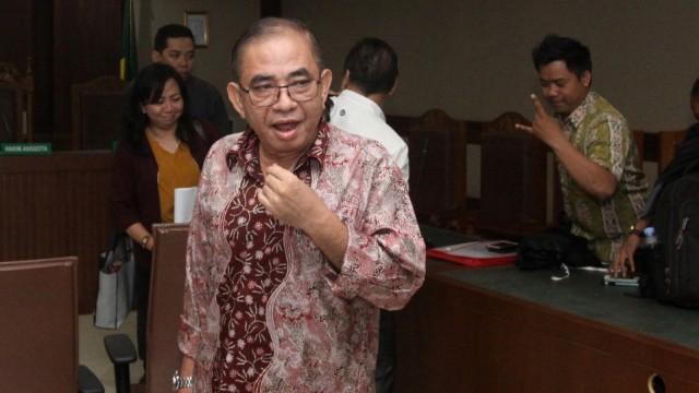 Ketua Komisi B DPRD Kalimantan Tengah (Kalteng) Borak Milton usai menjalani sidang perdana pembacaan dakwaan di Pengadilan Tipikor, Jakarta