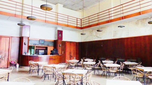 7 Restoran Tertua di Indonesia, Ada yang Masih Bertahan Meski Sudah 100 Tahun! (174361)