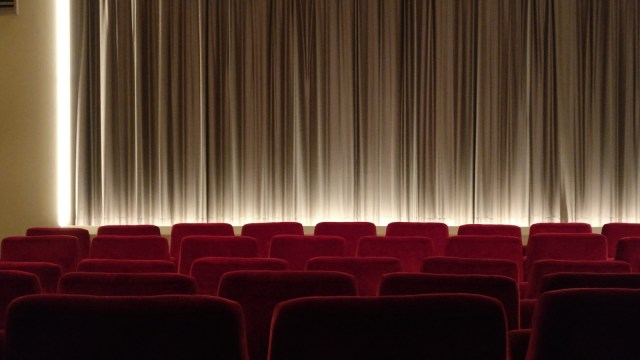 Kebijakan Pembukaan Bioskop di Beberapa Daerah (151184)