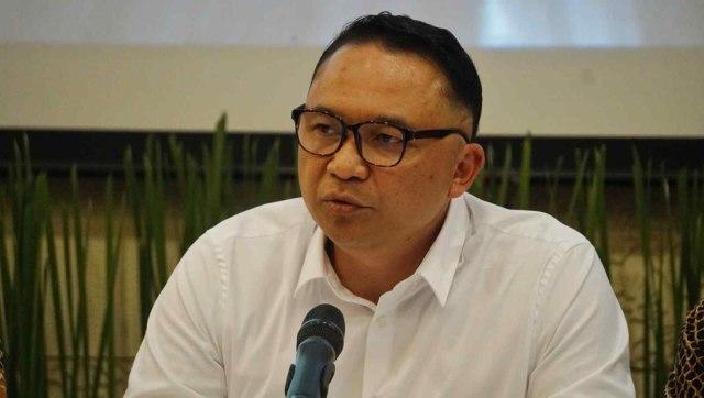 LIPSUS, Airasia, Direktur Utama Garuda Indonesia, I Gusti Ngurah Askhara Danadiputra.