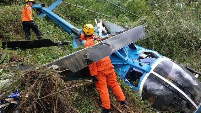2 Korban Helikopter Jatuh Dirujuk ke Rumah Sakit TMC Tasikmalaya  (38256)