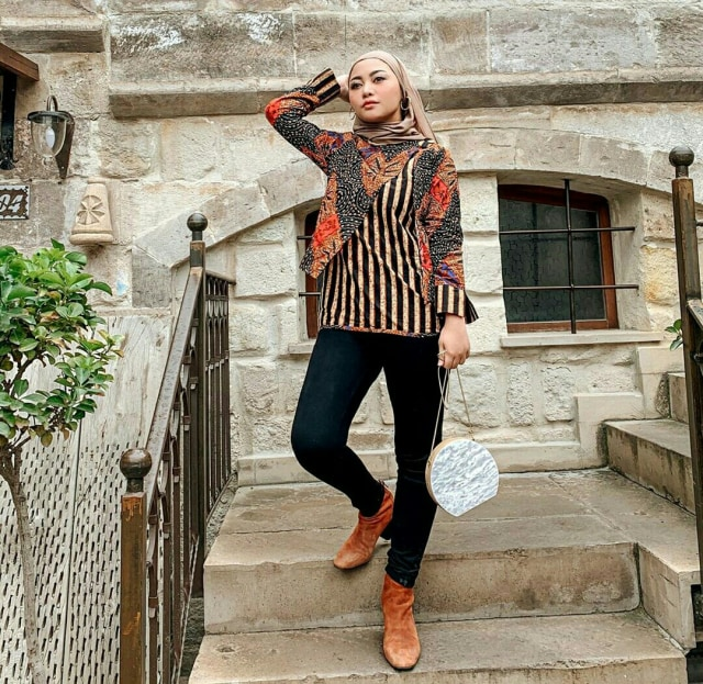 7 Style Busana Hijab Ala Rachel Vennya (1044)