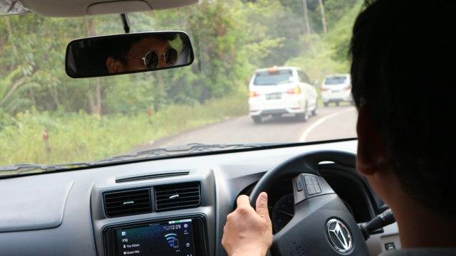 Beda Aggressive vs Defensive Driving, Mana yang Bikin Bahaya? (52221)