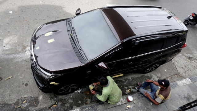 jasa pemoles body mobil, JPO Kramat Sentiong, Jalan Kramat Raya, Senen, Jakarta Pusat