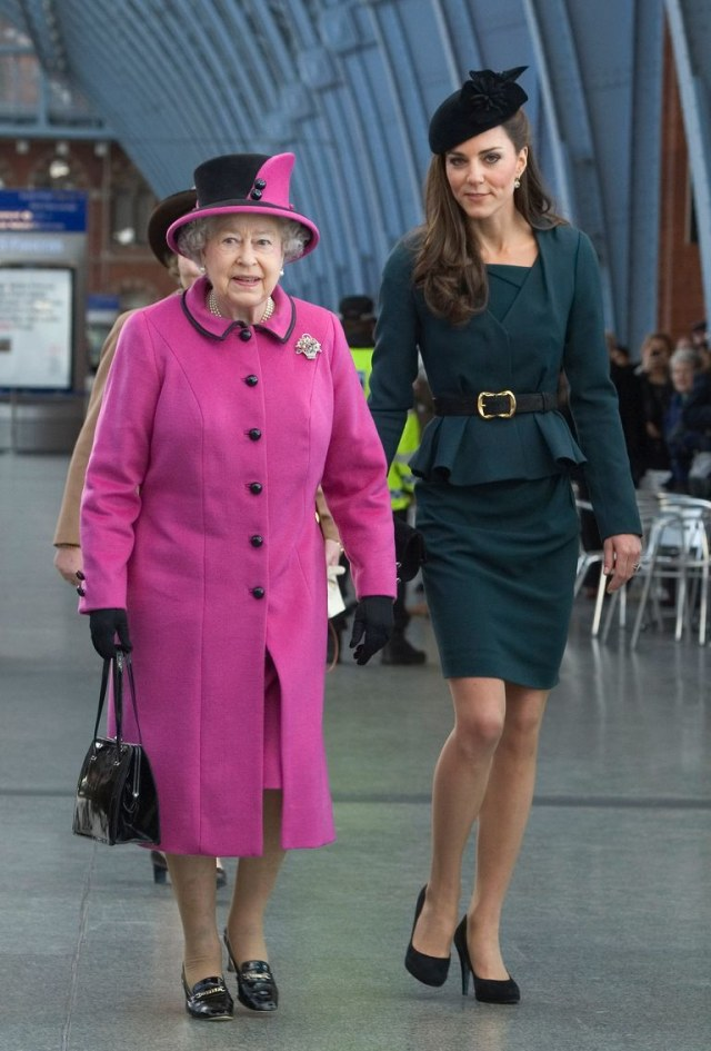 Royal tour Kate Middleton dan Ratu Elizabeth II