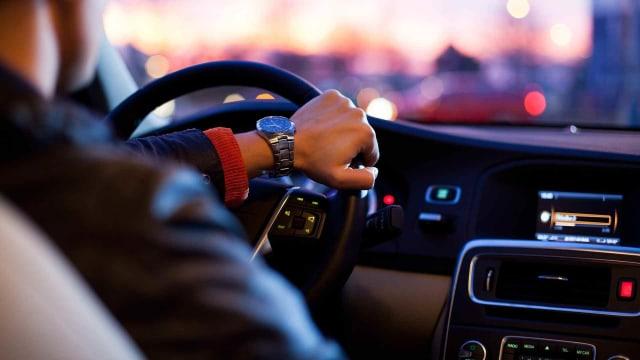 Suka Lakukan 5 Hal Ini, Jangan Ngaku Jago Nyetir Mobil Manual  (78145)