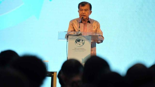 Wakil Presiden Jusuf Kalla di Hotel Fairmont, Jakarta