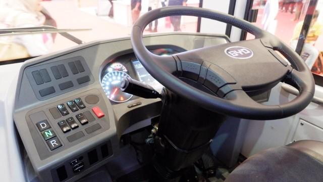 Mengapa Diameter Setir Bus Dibuat Lebar? Ini Alasannya (17878)