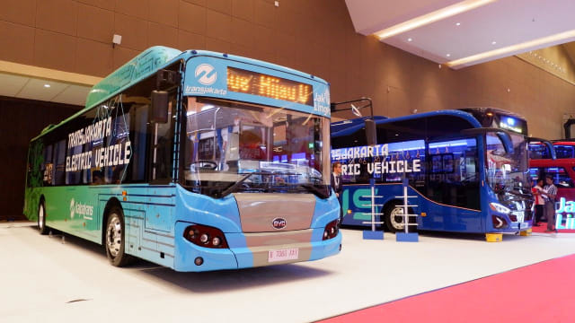 Image result for bus transjakarta listrik
