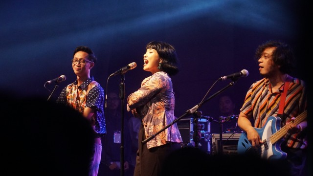 Mocca hingga Sunset Rollercoaster Riuhkan The Sounds Project Vol. 4 (31275)