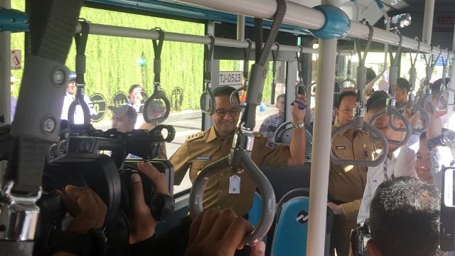 Gubernur DKI Jakarta, Anies Baswedan, Transjakarta