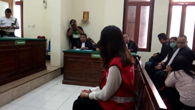 Sidang muncikari Tentri di PN Surabaya