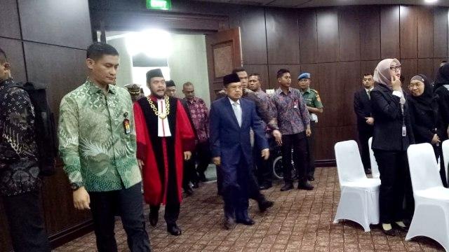JK Hadiri Pelantikan Aswanto sebagai Wakil Ketua MK (26996)