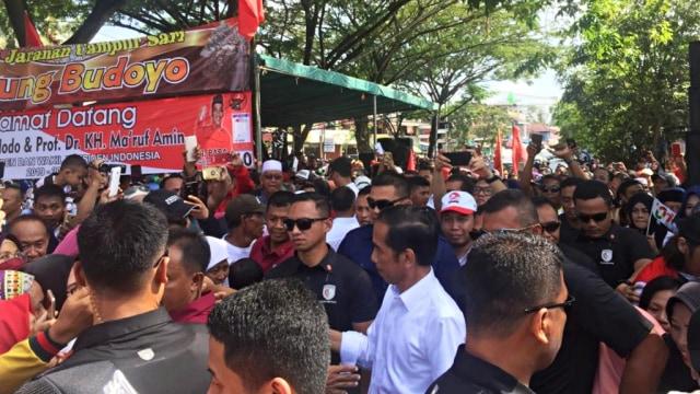 (NOT COVER) calon Presiden nomor urut 01, Jokowi, Kampung Nelayan Manggar, Balikpapan