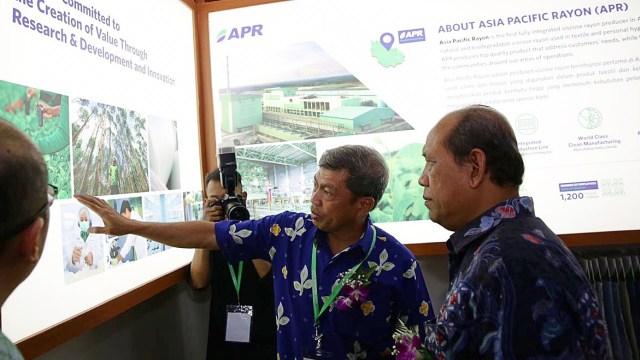 Direktur Industri Tekstil, Kulit dan Alas Kaki Kemenperin, Muhdori, Direktur Asia Pacific Rayon (APR) Basrie Kamba, Pembuatan Viscose Rayon