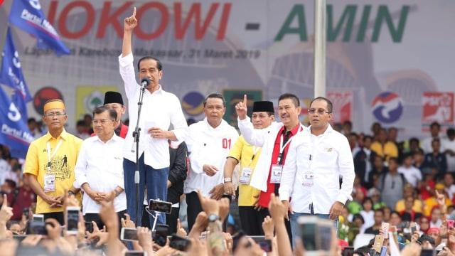 Capres 01 Jokowi saat Kampanye Akbar di Makassar