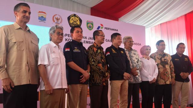 Menteri Energi dan Sumber Daya Mineral (ESDM) Ignasius Jonan meresmikan 4.315 sambungan jaringan gas bumi atau jargas untuk rumah tangga di Palembang, Sumatera Selatan