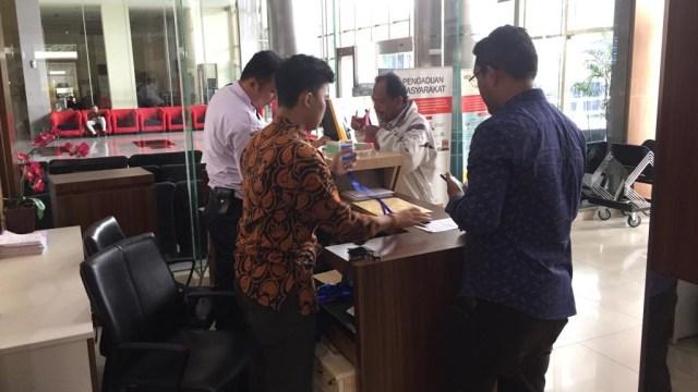 Suasana hari terakhir pelaporan harta kekayaan oleh pejabat negara di Gedung Merah Putih KPK
