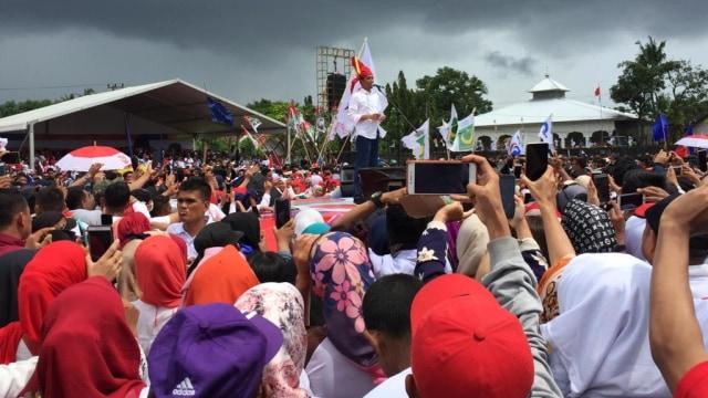 Capres 01 Jokowi kampanye di Kabupaten Gowa Sulawesi Selatan