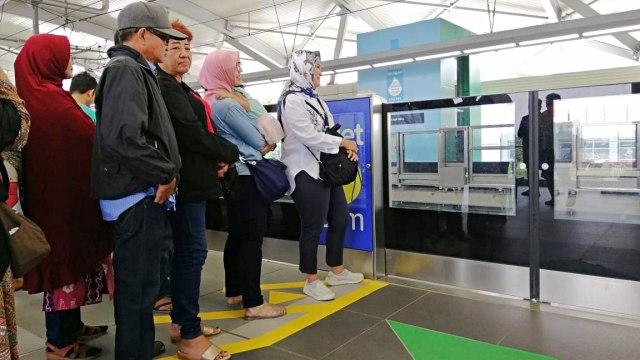 MRT, Lebak Bulus, Penumpang