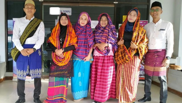 Pawai Budaya HUT ke-204 Dompu, Merayakan Keberagaman Indonesia (66205)