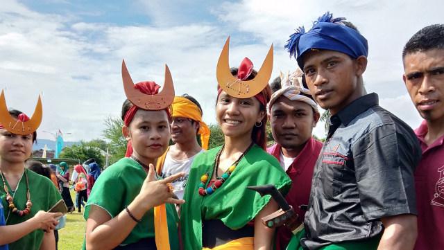 Pawai Budaya HUT ke-204 Dompu, Merayakan Keberagaman Indonesia (66204)