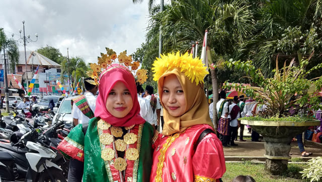Pawai Budaya HUT ke-204 Dompu, Merayakan Keberagaman Indonesia (66206)