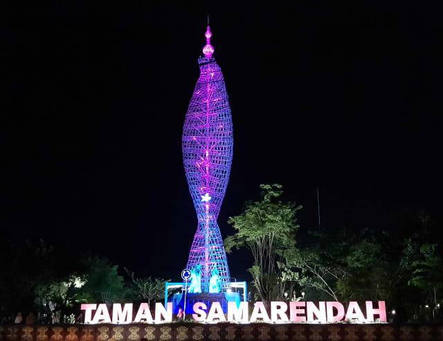 Indahnya Lampu Hias Setinggi 50 Meter Di Taman Samarendah Kumparan Com