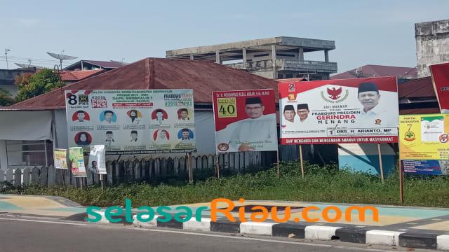 Caleg di Riau Enggan Pasang Foto Jokowi-Ma'ruf di Baliho  (851435)