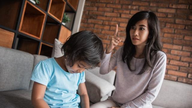 Tips Memuji Anak Tanpa Membuat Saudaranya Cemburu (65027)