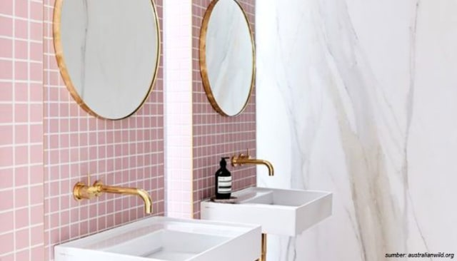 5 Motif Keramik Dinding Kamar Mandi Yang Bikin Adem Mata