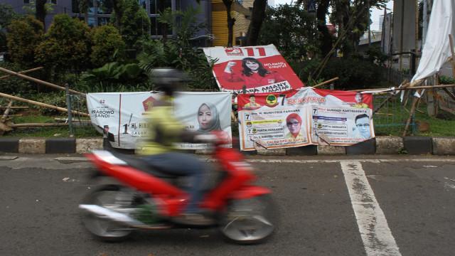 Kondisi alat peraga kampanye, Pancoran, Jakarta Selatan