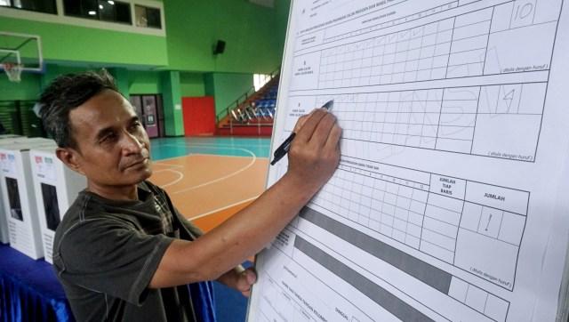 Bawaslu Semarang Latih Ribuan Saksi Pemilu 2019 Kumparan Com