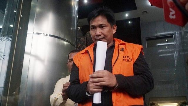 Tersangka Bowo Sidik Pangarso usai menjalani pemeriksaan oleh penyidik KPK