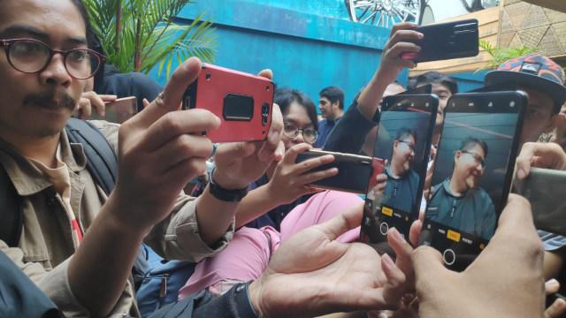 Oppo Reno Dirilis: Kamera Selfie Pop-up Unik, Kamera Belakang 10x Zoom (121145)