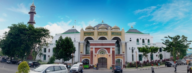 2 masjid.jpg