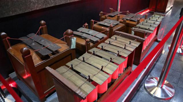 Mengenal 7 Alat Musik Indonesia yang Ikonik, Ada Tehyan hingga Hasapi (4803)