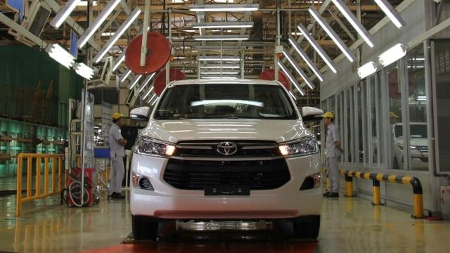 Distribusi Toyota Kijang Innova Berkurang, Indikasi Hadir Versi Facelift? (338594)