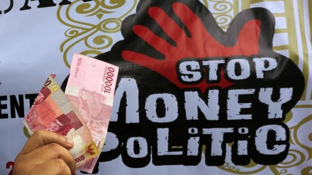 anti politik uang