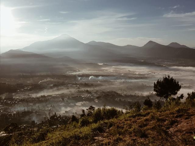 Hiking Santai untuk Pemula di Gunung Putri Lembang (19196)