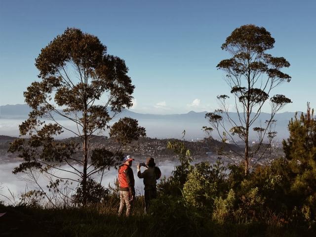 Hiking Santai untuk Pemula di Gunung Putri Lembang (19198)