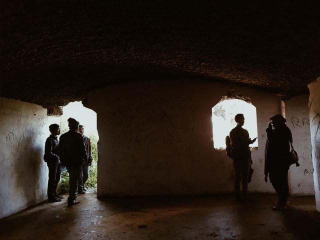 Hiking Santai untuk Pemula di Gunung Putri Lembang (19200)