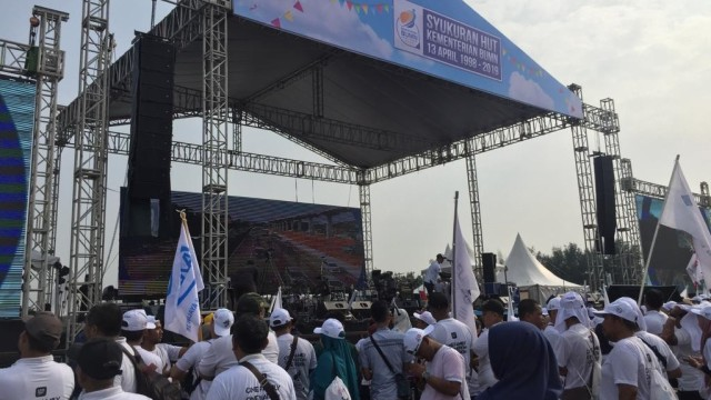 Foto: Tumpeng 13 Meter di Acara HUT ke-21 BUMN Catatkan Rekor - kumparan.com