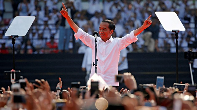 Beda Cara Relawan Rayakan Pelantikan Jokowi di 2014 dan 2019 (47267)
